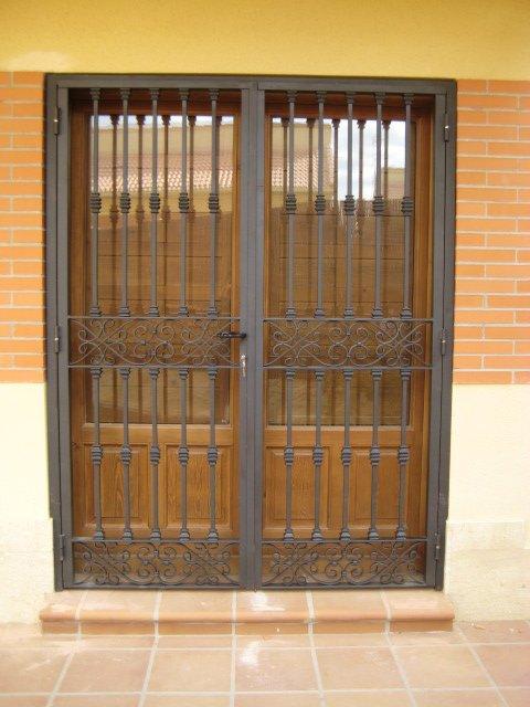 Rejas para ventanas y puertas - Puertas de reja ...